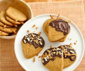 Chocolate-Peanut-Butter Acorn Cookies
