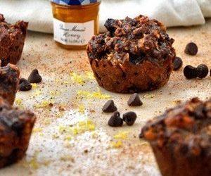 Flourless Dark Chocolate Pistachio Cupcakes