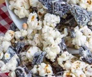 Cookies and Cream Popcorn recipes