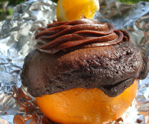 Cakespy: Chocolate Cakes Grilled in Orange Shells Recipe