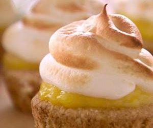 Bek's Lemon Meringue Tea Cakes