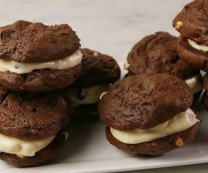 Cookies 'N' Creme Whoopie Pies