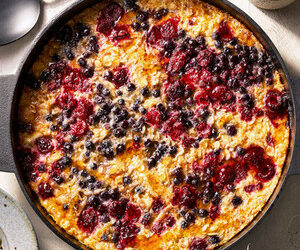 Baked Oatmeal for a Crowd with Berries and Seeds